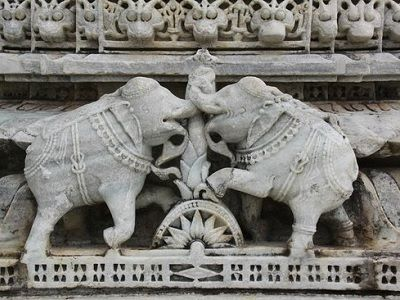 Ranakpur-temple-statue